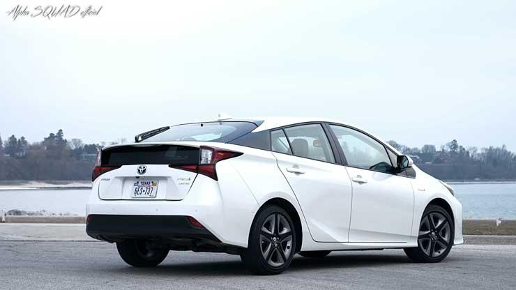 مراجعة 2019 Toyota Prius