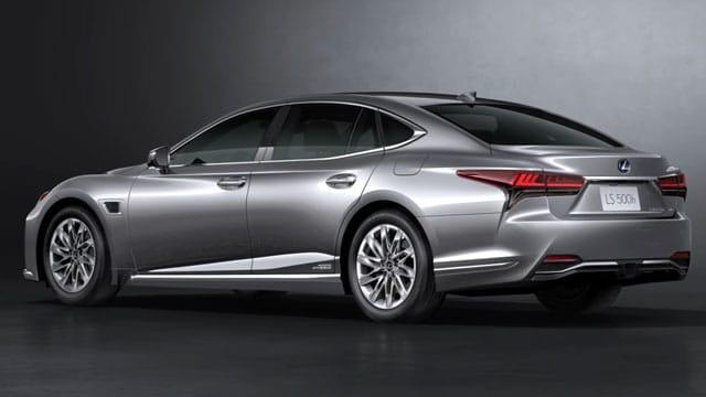 التصميم الخارجي لسيارة لكزس LS 2021