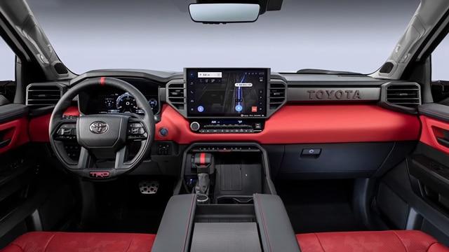 الداخلية و المواصفات التقنية لشاحنة تويوتا تندرا 2022