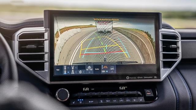تأتي تويوتا تندرا 2022 بشكل قياسي مع حزمة أنظمة الأمان Toyota Safety Sense 2.5