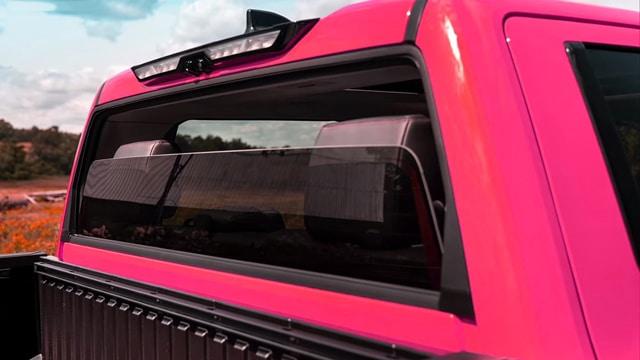 ستحتفظ تويوتا تندرا 2022 بميزة محببة  النافذة الخلفية القابلة للسحب